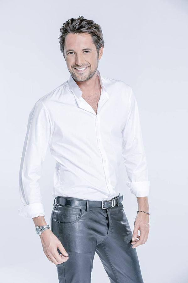 Basics: white shirt and black leather slim fit jeans. | Mens