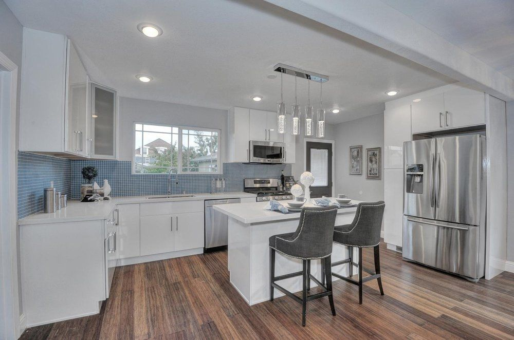 Best Pacific Floor Hayward White Thermofoil Cabinets With 400 x 300