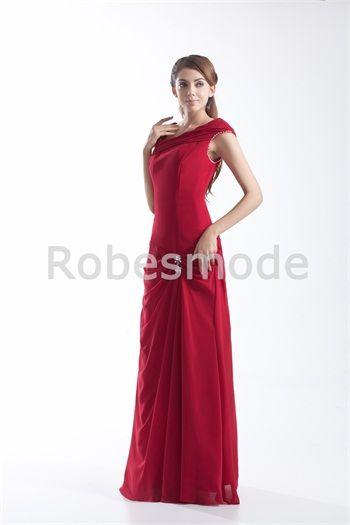 6643974bb24 Robe demoiselle d´honneur rouge bustier plein longueur décoration  perlée plis
