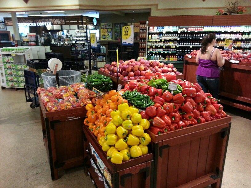 Produce displays Fruterias, Panes