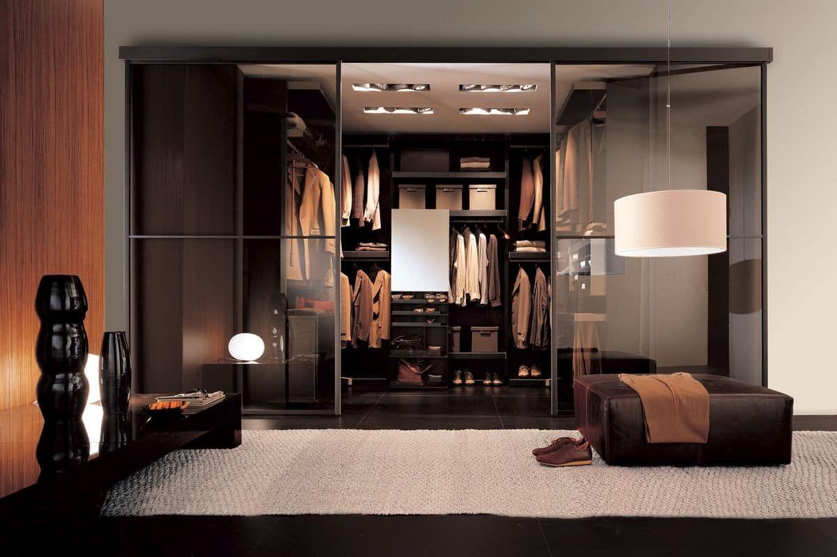 Design cabina armadio su misura, con finitura wengè Grey