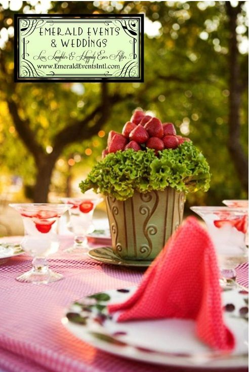 Airplane Table Centerpiece Ideas Strawberry Wedding Budget Brides Guide A