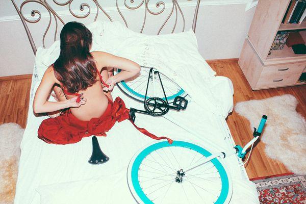 MIIT-Cafe-Bikes-2014-Calendar-Photography-by-Darren-Kane-5.jpg