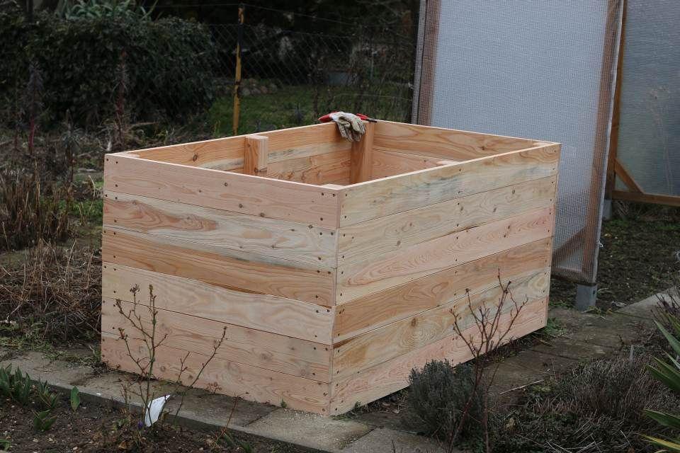 Einfaches Hochbeet selber bauen Holzrahmen fertig Garten