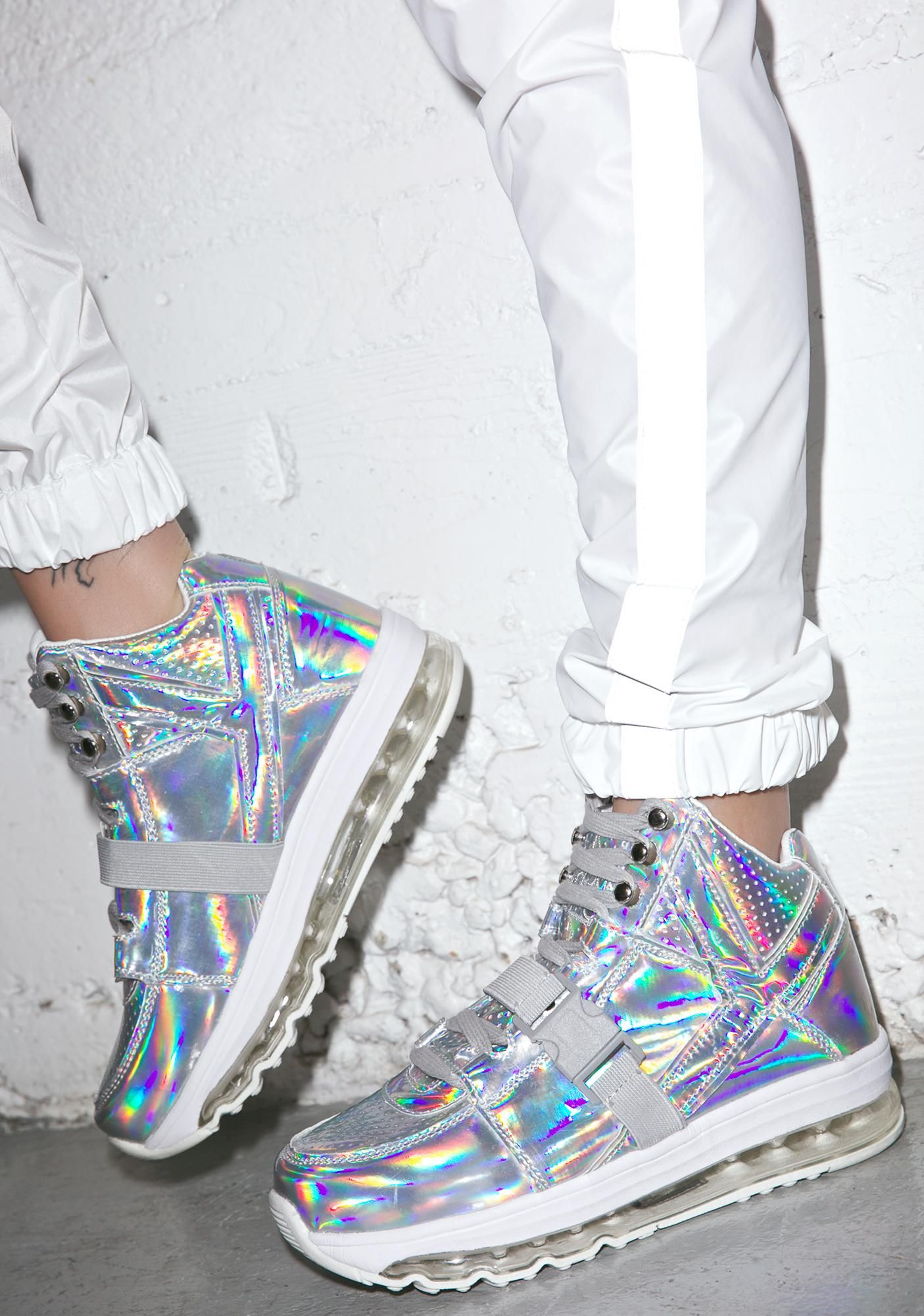 53718ddaf126 Y.R.U. Qozmo Aiire Light Up Hologram Sneakers are gonna take yer feel to  another planet