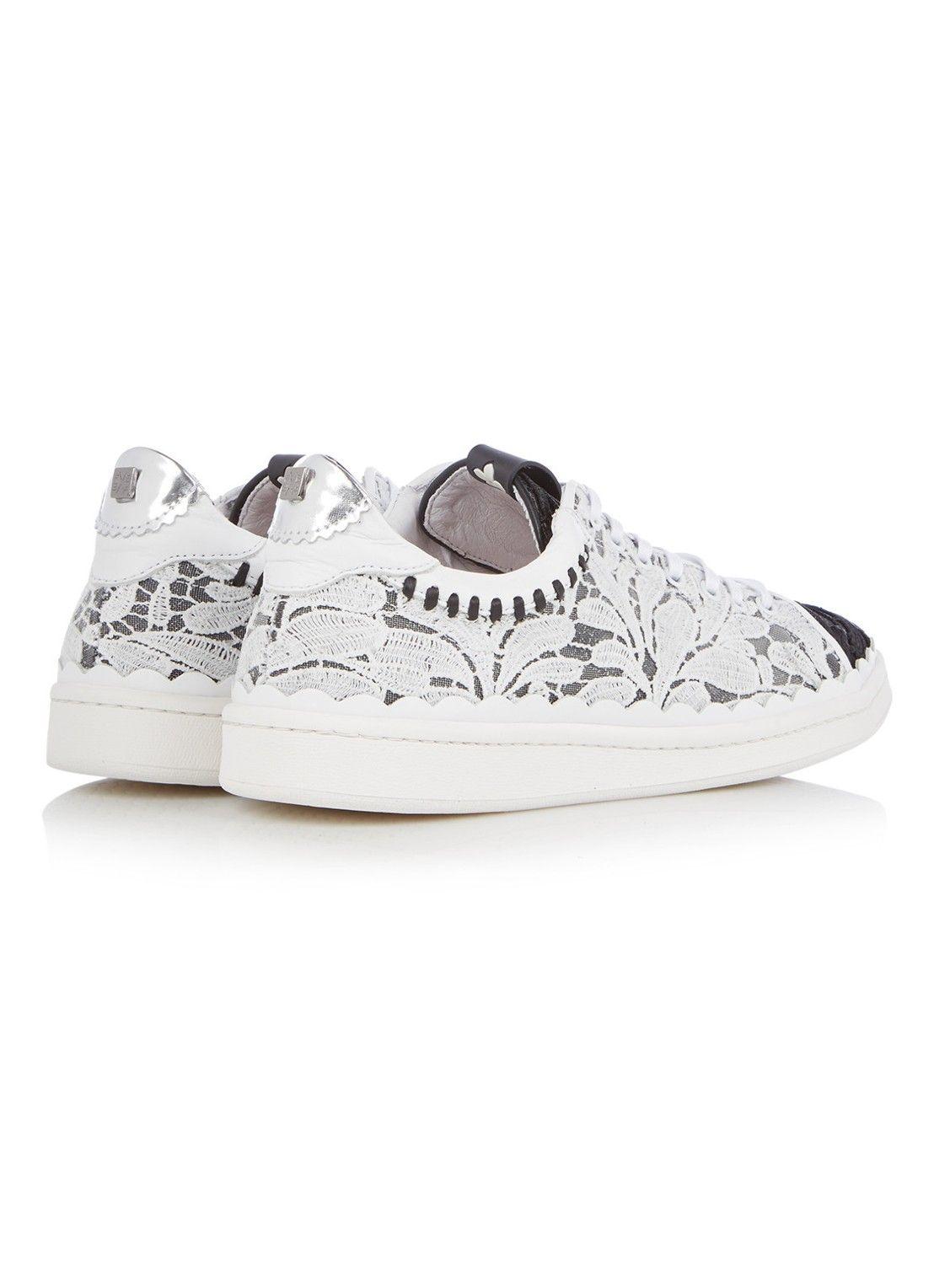 low priced 23a77 65ad3 Floris van Bommel Sneaker van kant met leren details • de Bijenkorf