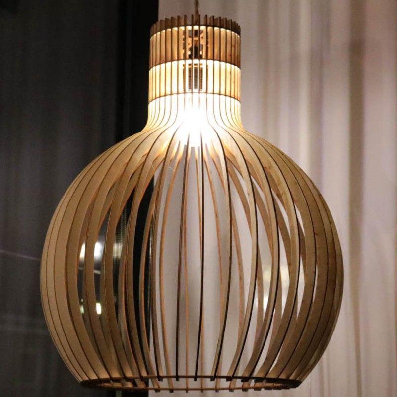 Grote Bolvormige Hanglamp In 2020 Houten Lamp Hanglamp Eetkamertafel Lamp
