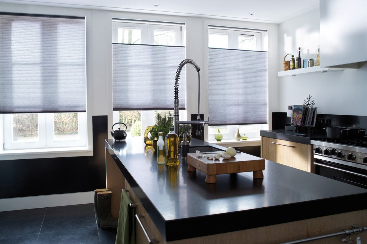 Luxaflex duette shades grijs raamdecoratie