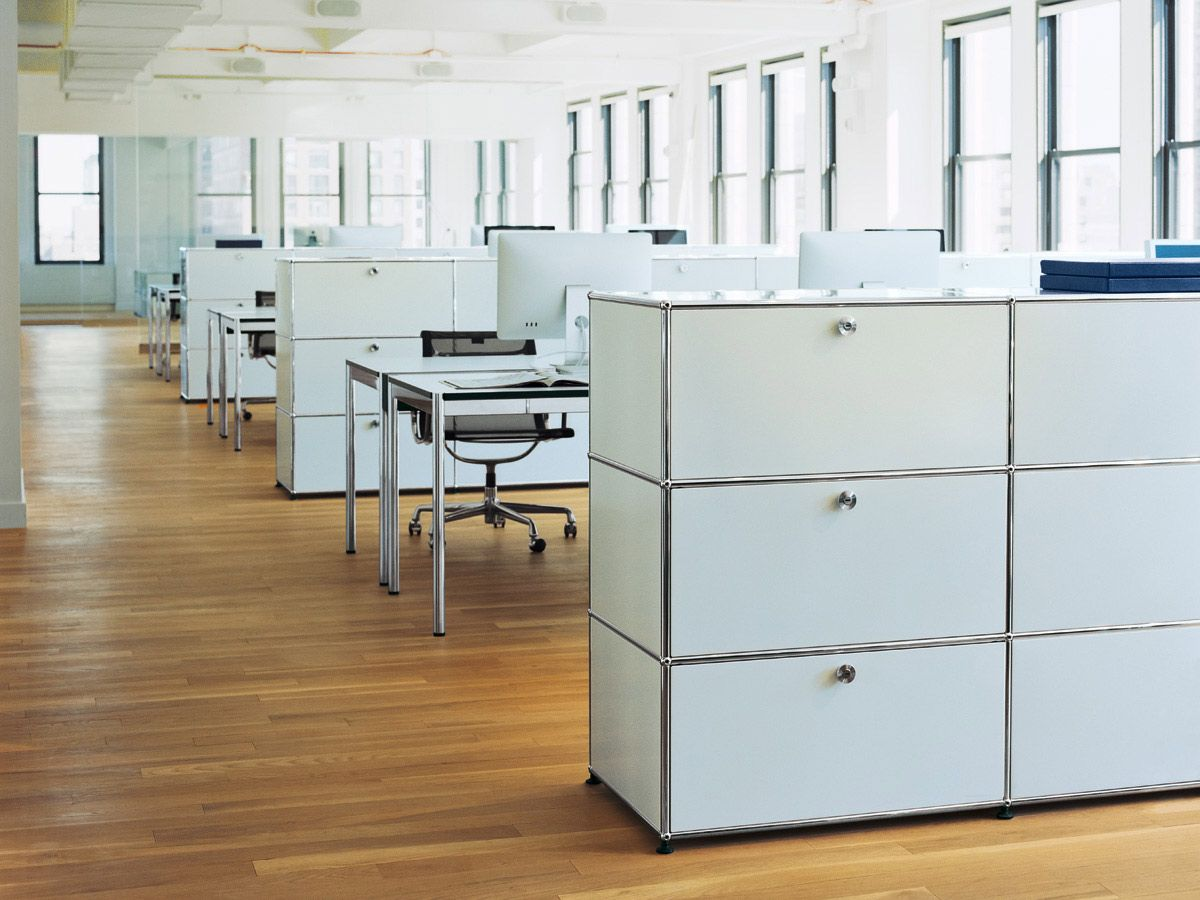 Shared workstations consisting of USM Haller Tables in pearl grey ...