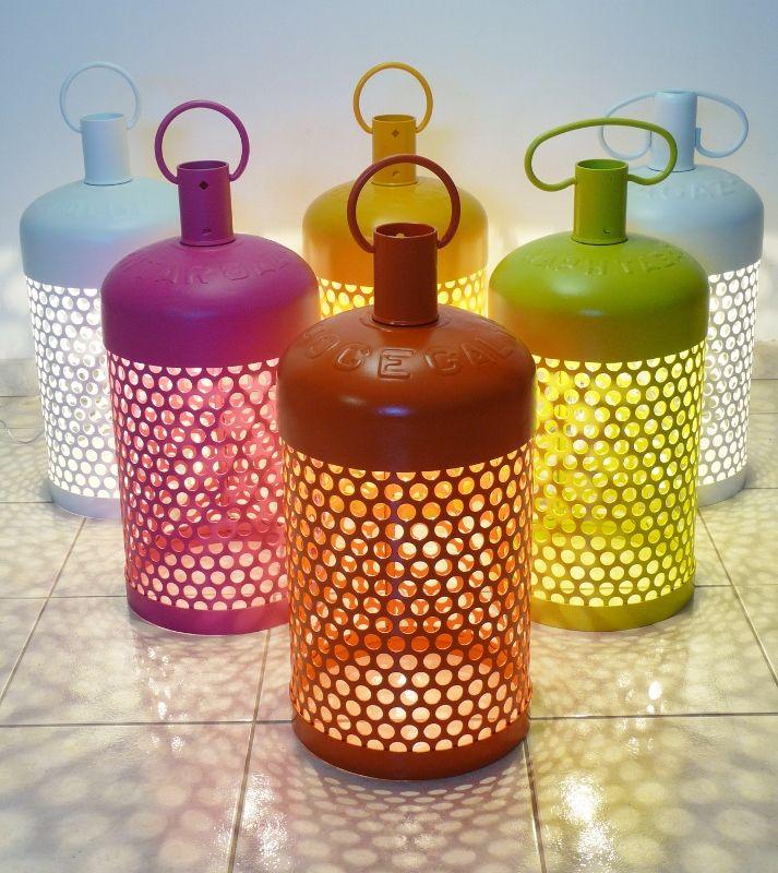 la butalamp r alis e partir d 39 une bouteille de gaz recycl e butalamp pinterest. Black Bedroom Furniture Sets. Home Design Ideas