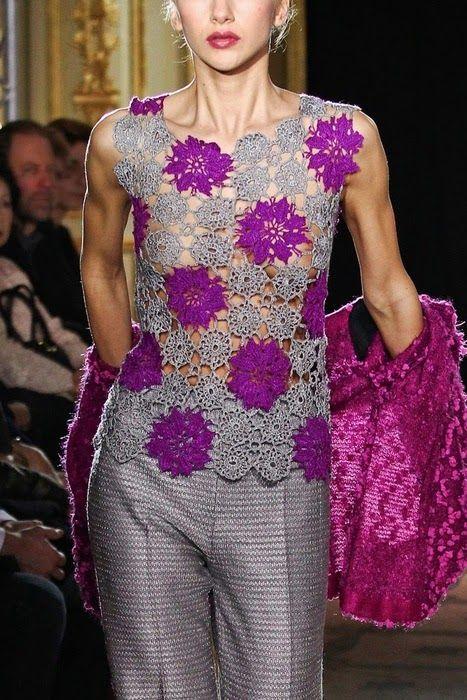 da3d8fee3 Katia Ribeiro Crochê Moda e Decoração Handmade : Blusa em crochê com  gráficos