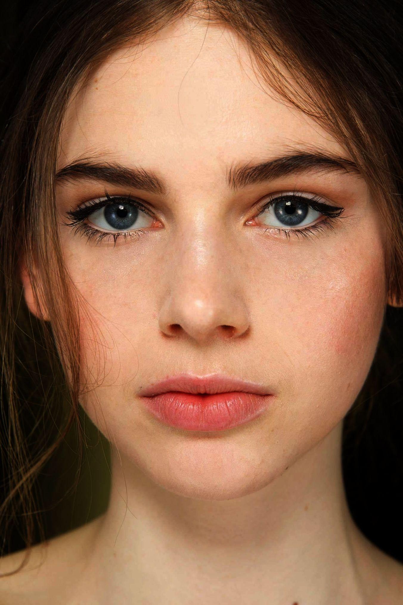 Natural Makeup Kit For Beginners Makeup Artist Salary
