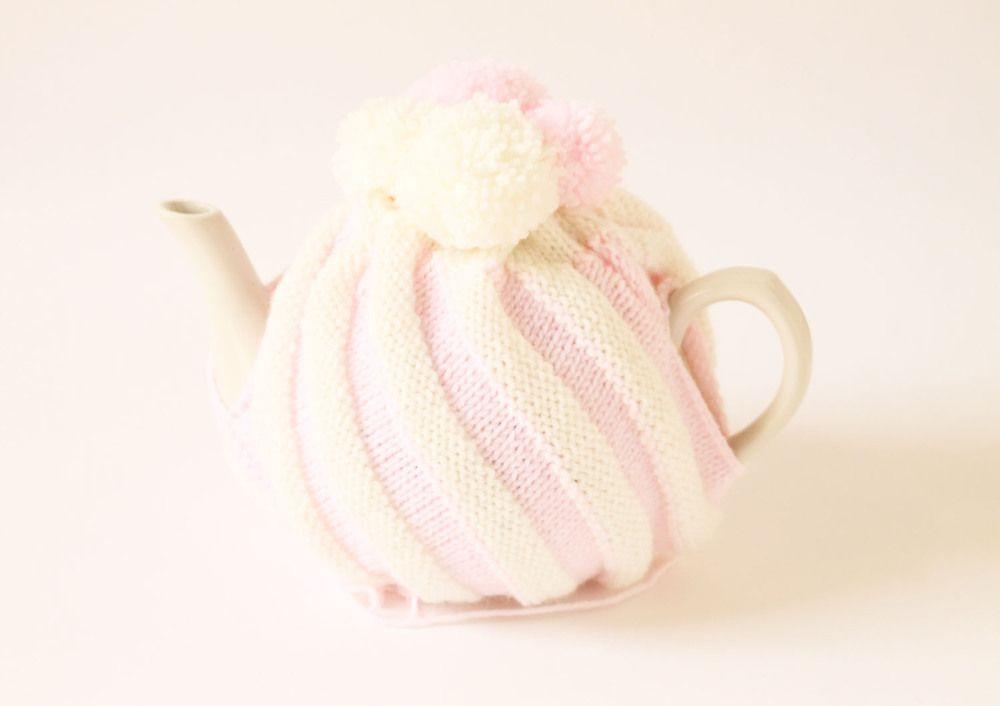 handmade-knitted-tea-cozy.jpg | cosy for teapots (tējkannu mētelīši ...