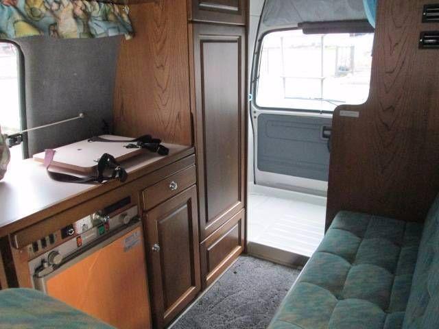 f035b5bfb1 Toyota Hiace Commuter 4x4