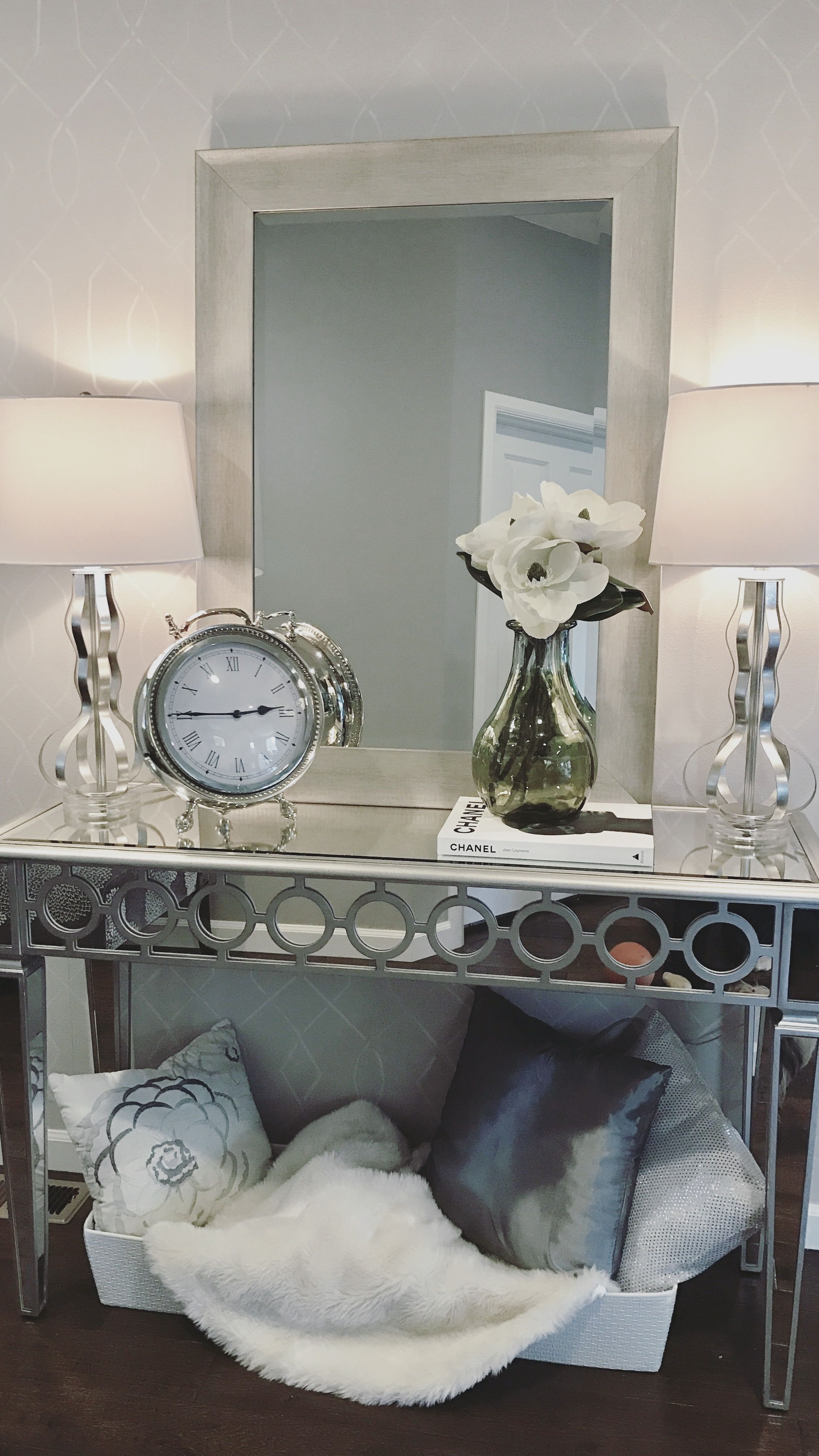 Console Table Styling Console Table Living Room Sophie Mirrored Console Tab Console Table Living Room Living Room Decor Gray Apartment Furniture Living Room