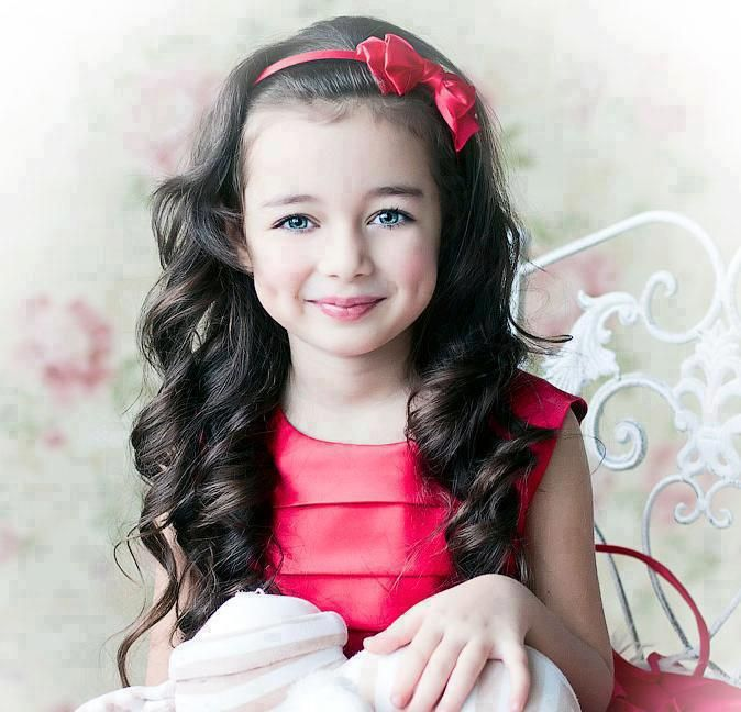 Pin By Malak Hed On Cocuk Kisisi Little Girl Models Flower Girl Dresses Girls With Dimples