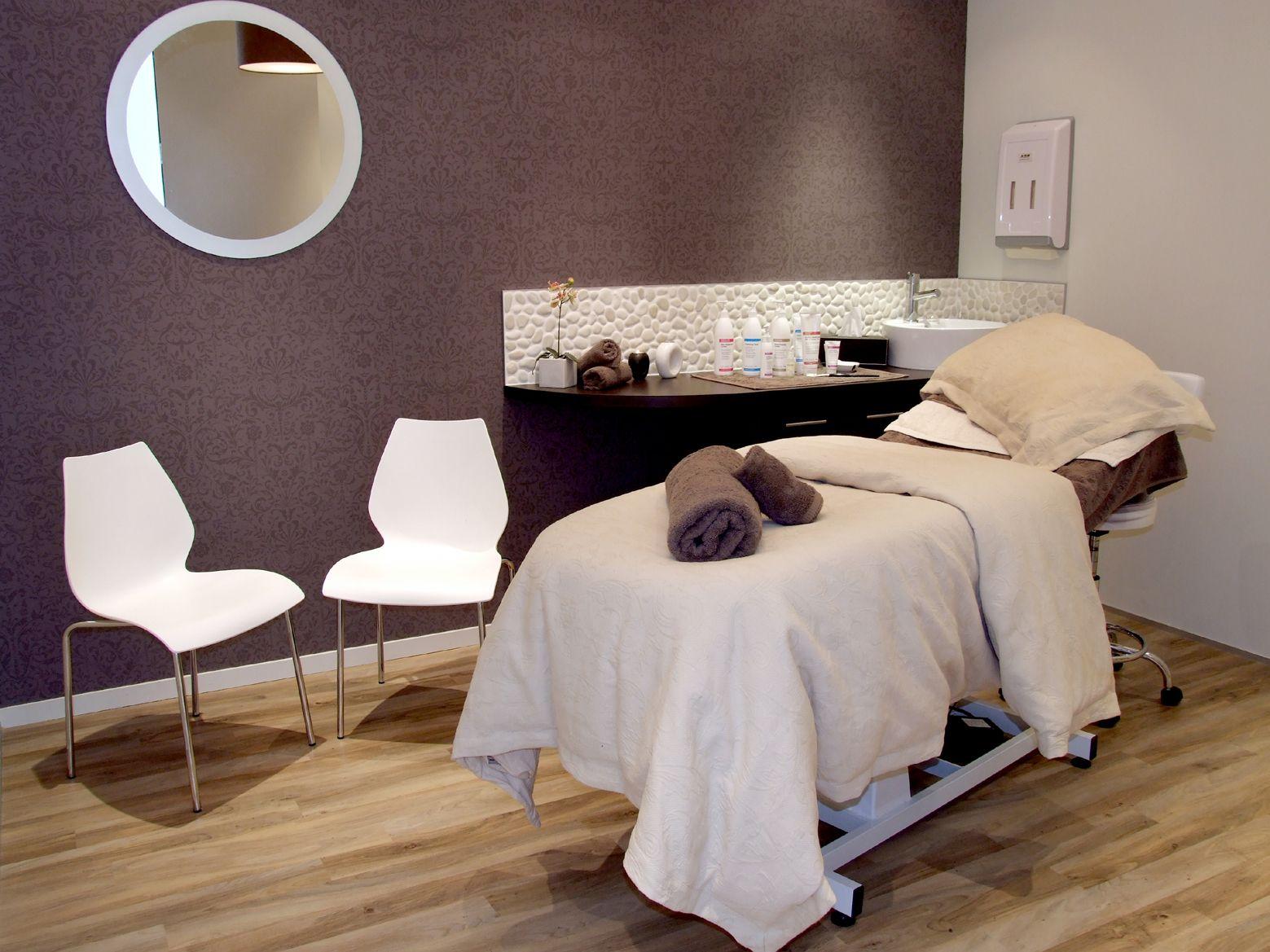 Esthetician Room Decor Spa Treatments