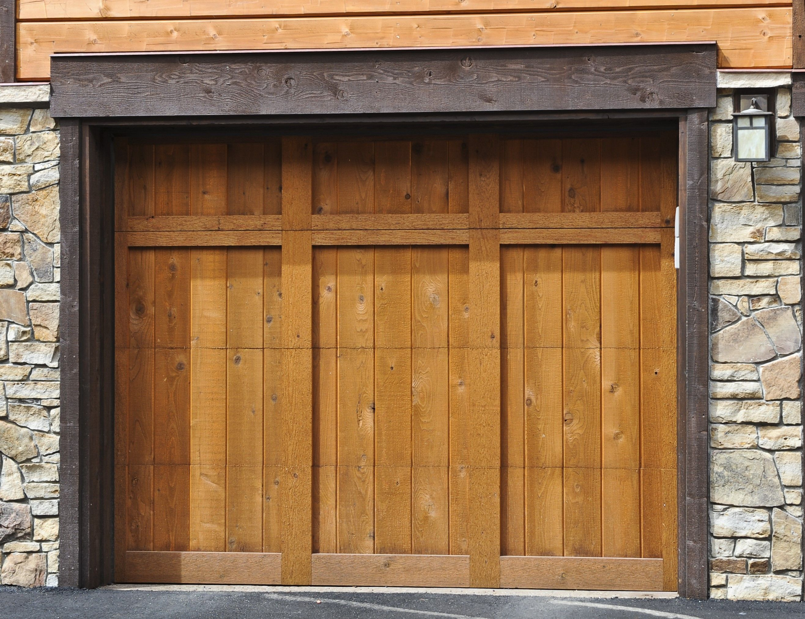 Image Result For Garage Doors Without Windows Garage Doors Garage Door Styles Carriage Garage Doors