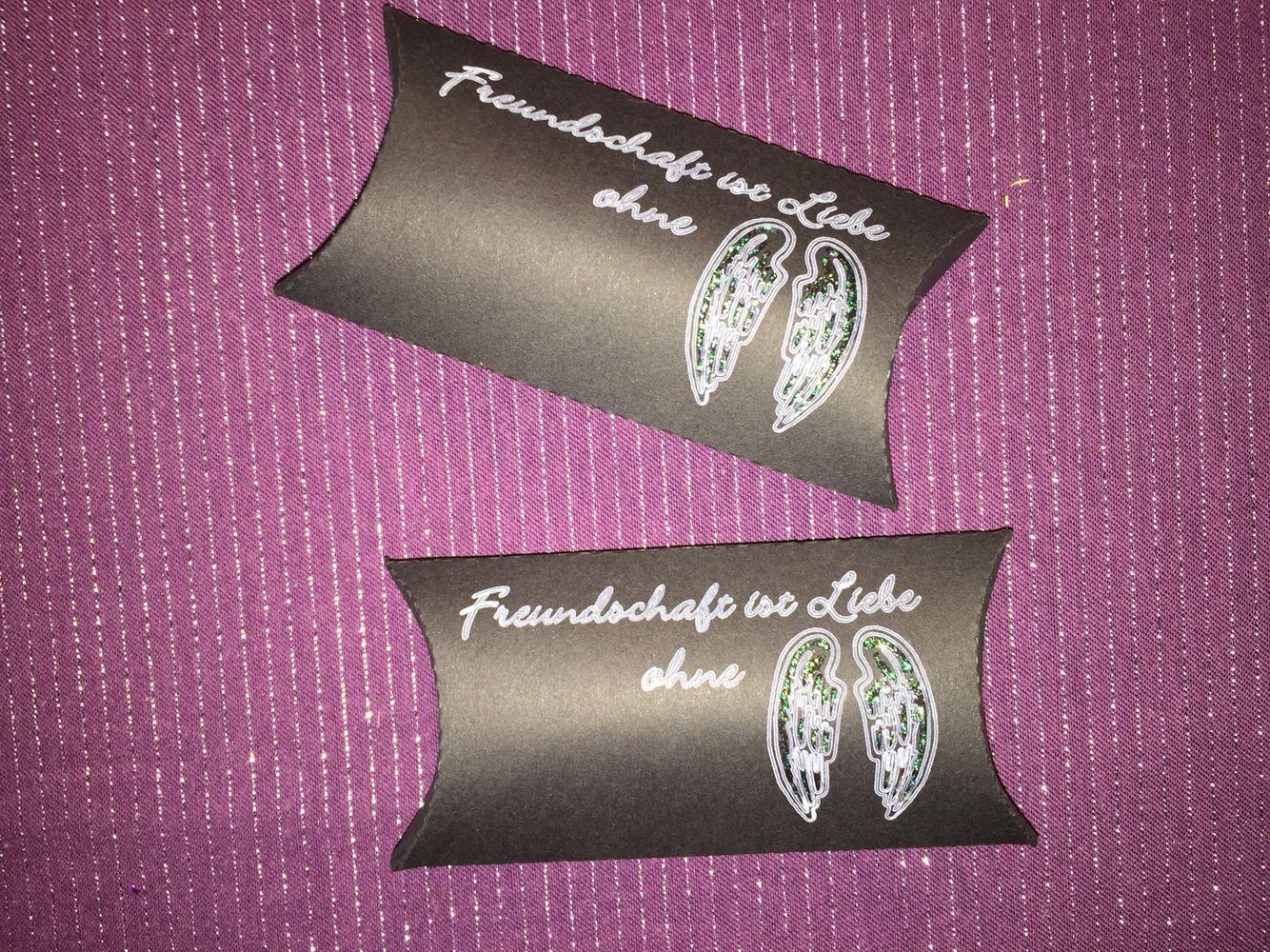 Pillow Box Freundschaft ist wie Liebe ohne Flügel