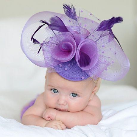 Tocado morado para bebe Divertido tocado con velo y plumas para