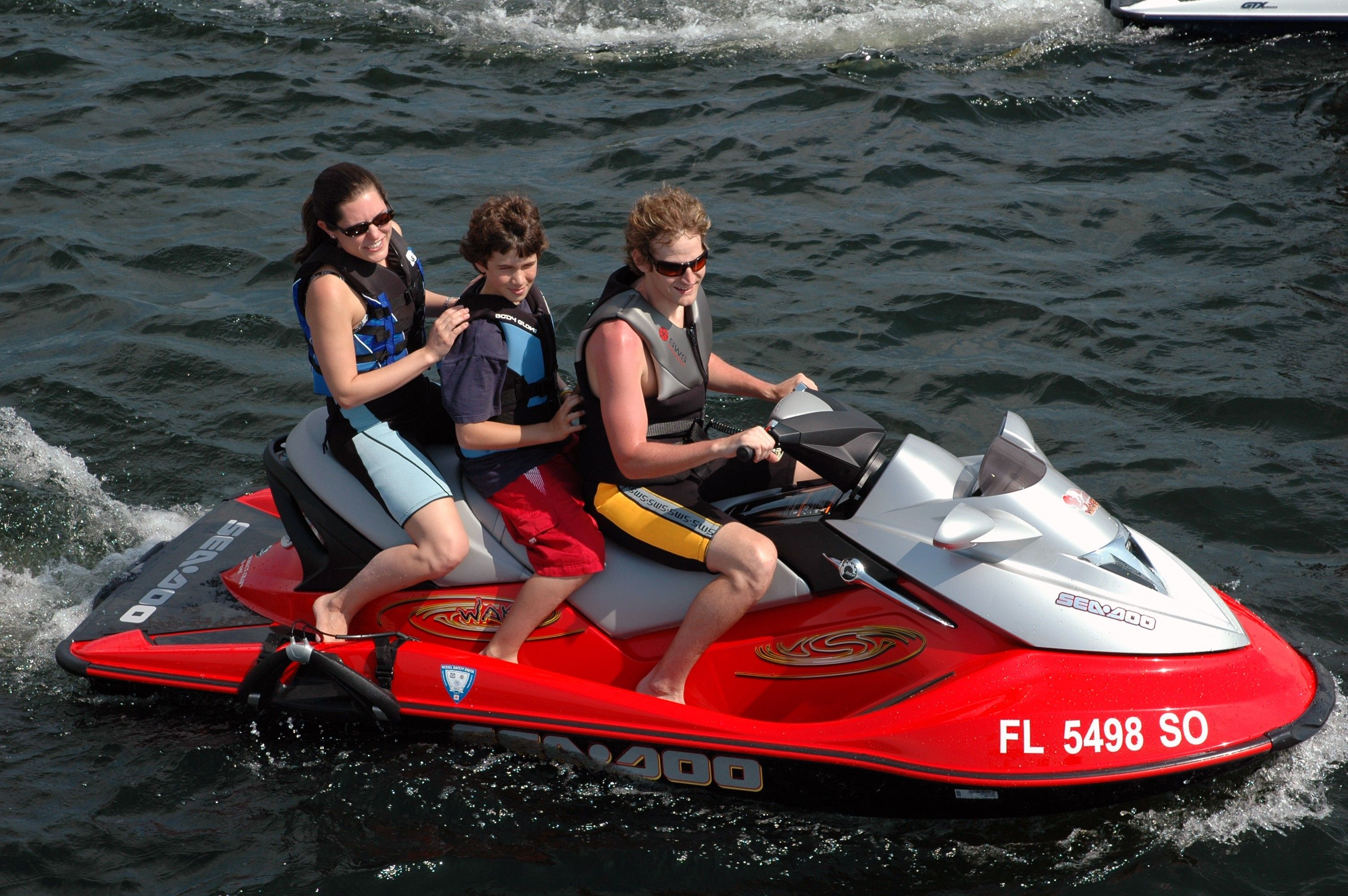 We Chatted With A Few People And Asked What They Believe The Most Important Boating Safety Tips Are Here S What One Of Them Had Boat Safety Boat Pontoon Boat