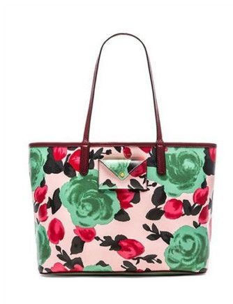 923d5b4ec8 You are sure to turn heads as you step foot on the beach or pool side with  the Marc by Marc Jacobs Metropolitote Jerrie Floral Rose Print Tote 48.