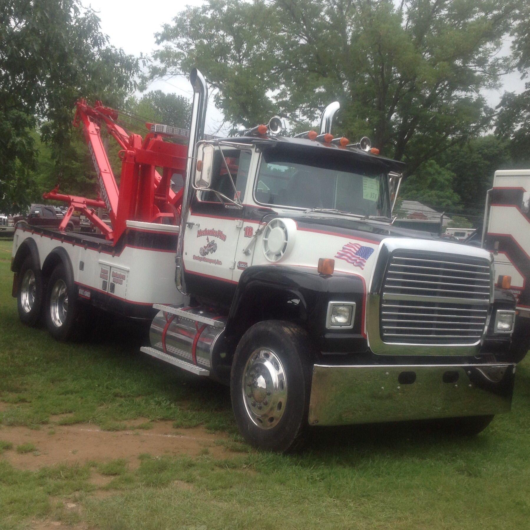 usa tow wrecker truck