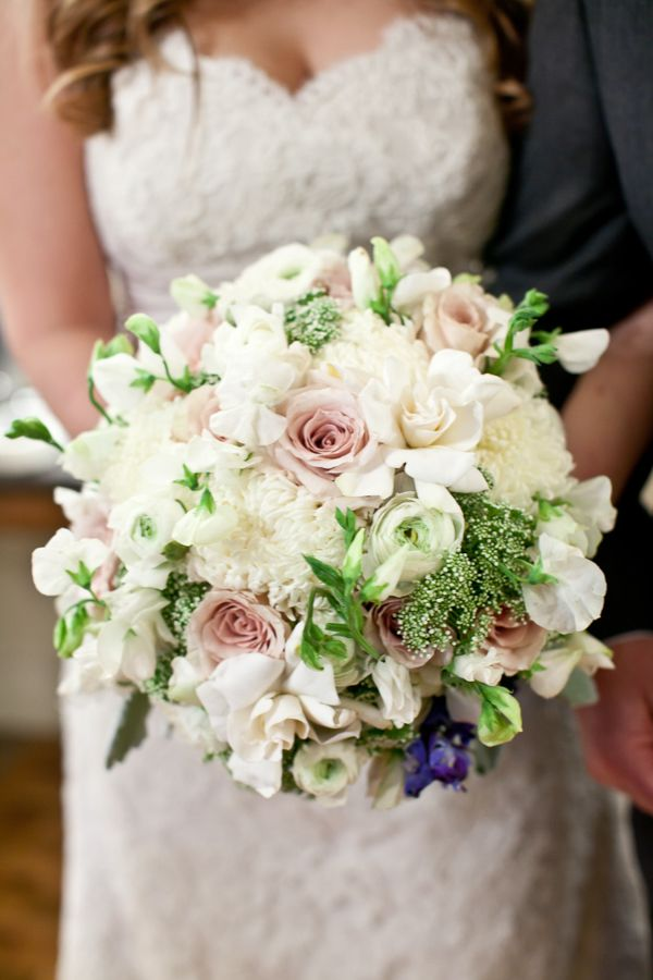 white and pink bouquet http://www.weddingchicks.com/2013/09/18/eclectic-spring-wedding/