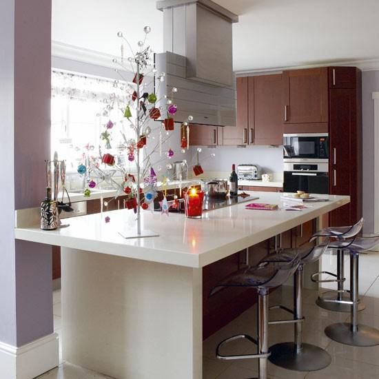 decorating kitchen island lighting decorating your kitchen for christmas natural christmas decor 550x550 christmas decorations for small condo kitchen - How To Decorate Your Kitchen Island For Christmas