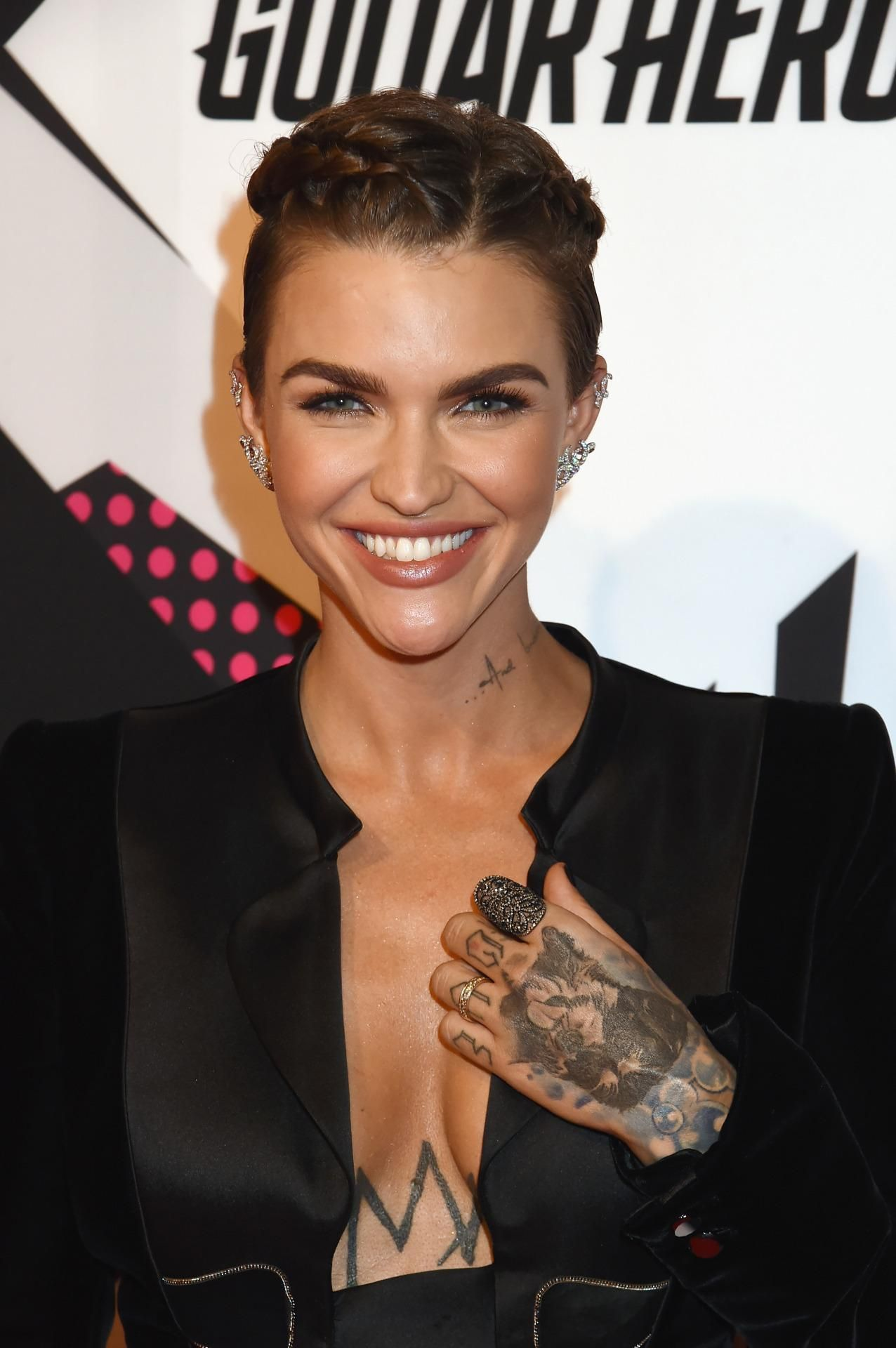 Ruby Rose Rocks Braids At The Mtv Ema S Ruby Rose Rose Braid Hair Care Advice