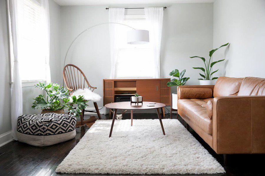 Salón pequeño con alfombra blanca | Apartamentos modernos ...