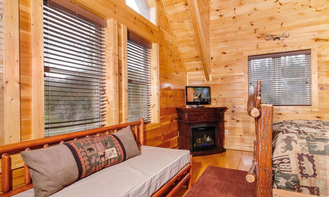 Blue Mouniain Lodge Bedroom Bluemountainlodge Vacationrental