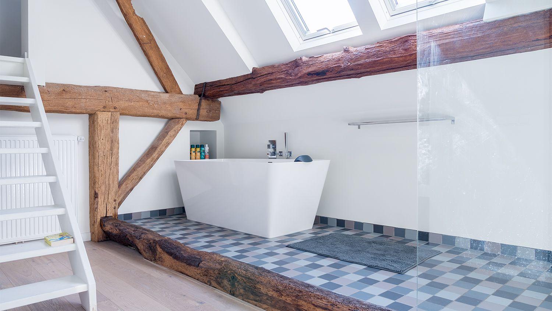 Plattegrond Slaapkamer Renovatie : Verbouwing renovatie woonboerderij badkamer in slaapkamer met