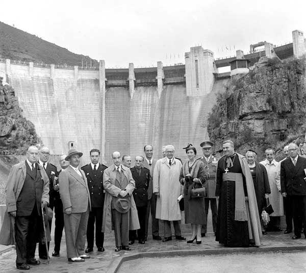 Inauguración de pantanos