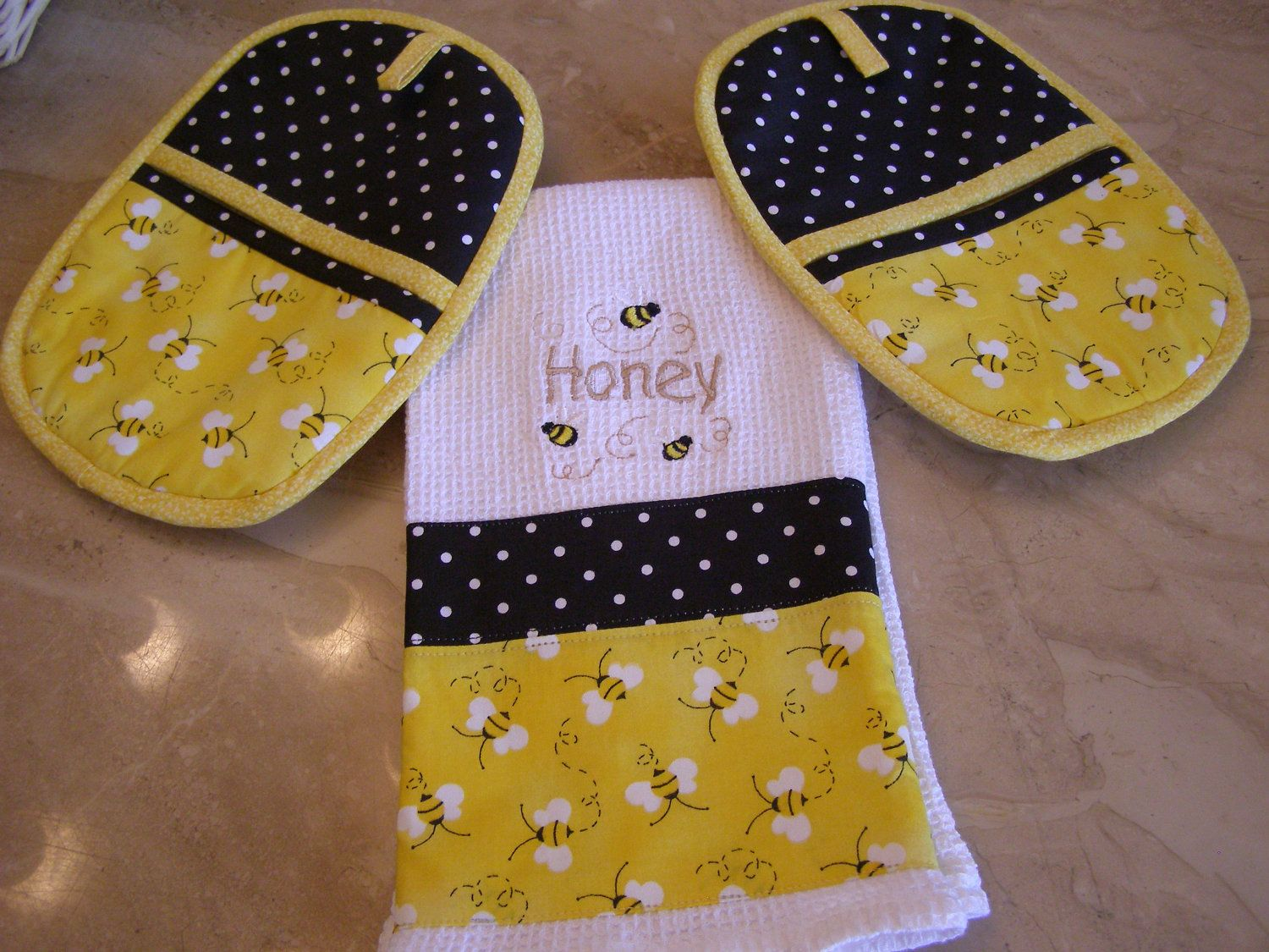 Bumble Bee Towel And Potholder Set Handmade Embroidered
