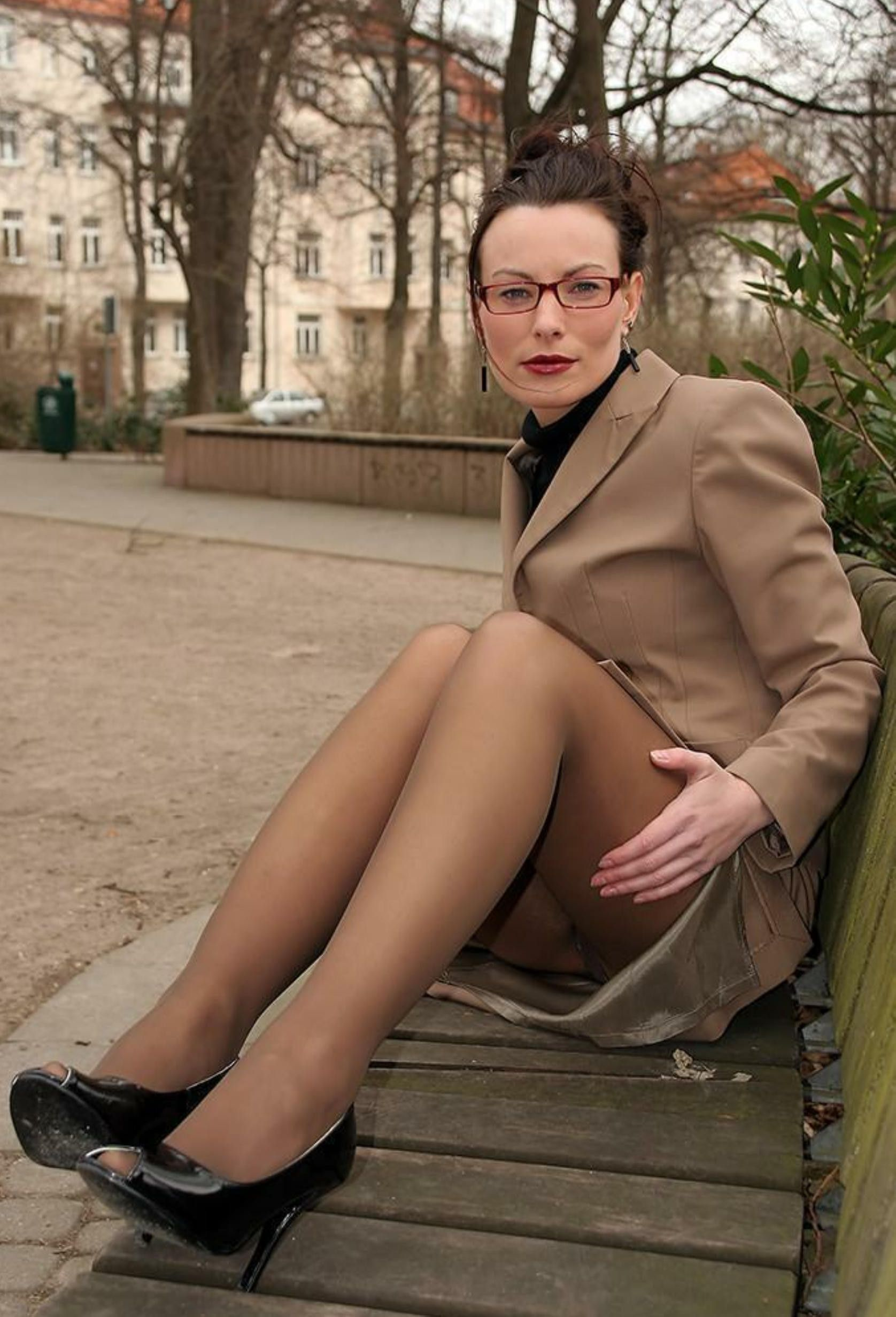 sexy business Mature suit woman