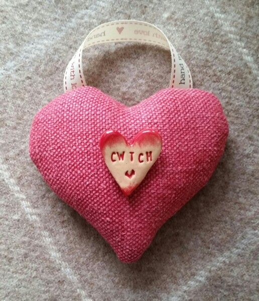 Peony and Sage Organic Lavender Cwtch Heart Hand Sewn by Cwtches.