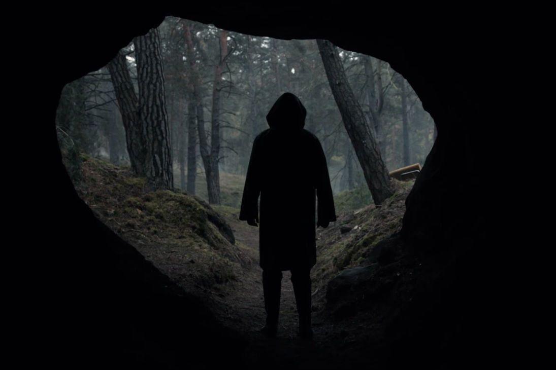 Netflix Debuts Creepy Trailer For New Series Dark Digital Trends Netflix Dark Upcoming Series