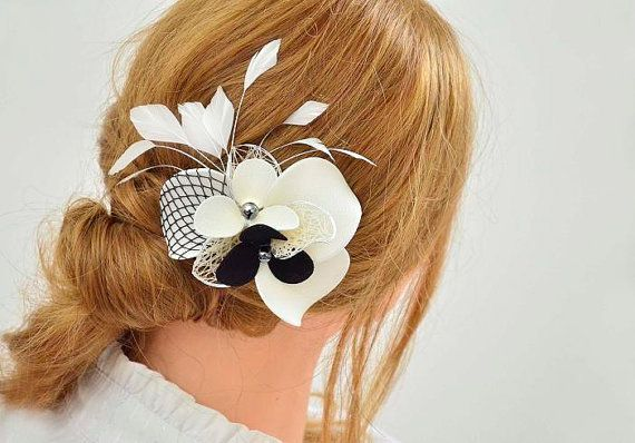Bridal hair clip in ivory and black Bridal feather by MyArtDeco