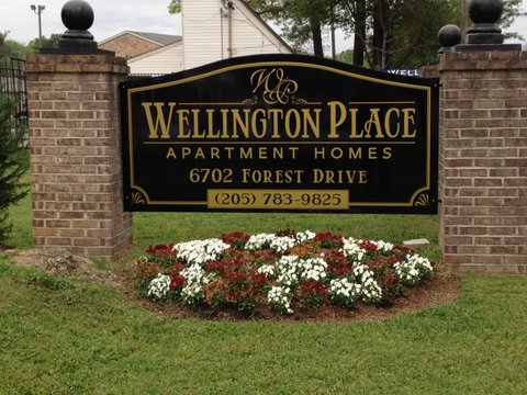 Apartment Entrance Sign With Brick Columns Entrance Signage Monument Signs Apartment Entrance
