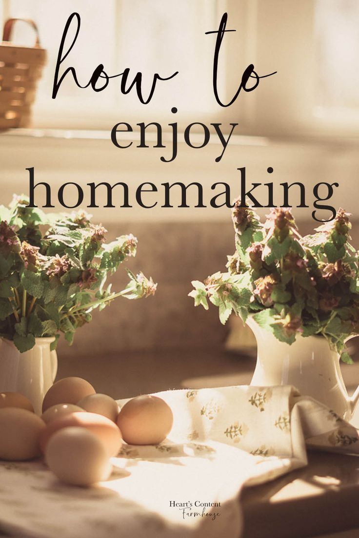 Whether you call yourself a stay at home mom, stay at home wife, or homemaker, if your day is spent at home doing housework, that is a blessing.  Learn how to enjoy this little things in your daily life for a big, big, change of heart. #homemaking #mindset