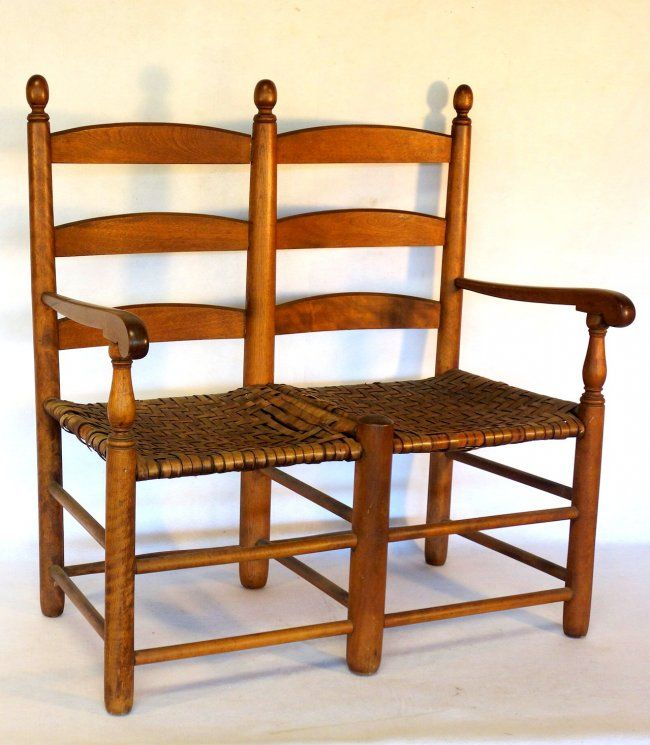 Birch wood buggy bench with Shaker-like finials - : Lot 369