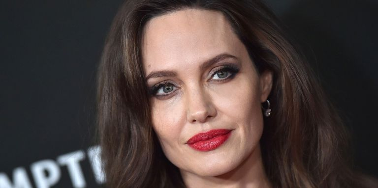 Angelina Jolie S Dermatologist Just Shared All Her Skin Secrets Skin Secrets Angelina Jolie Beauty Routines