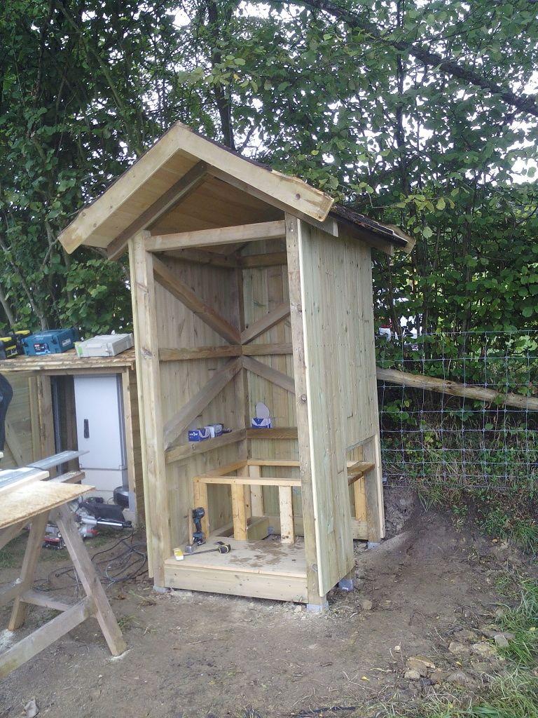 Cabane toilette seche - Mailleraye.fr jardin