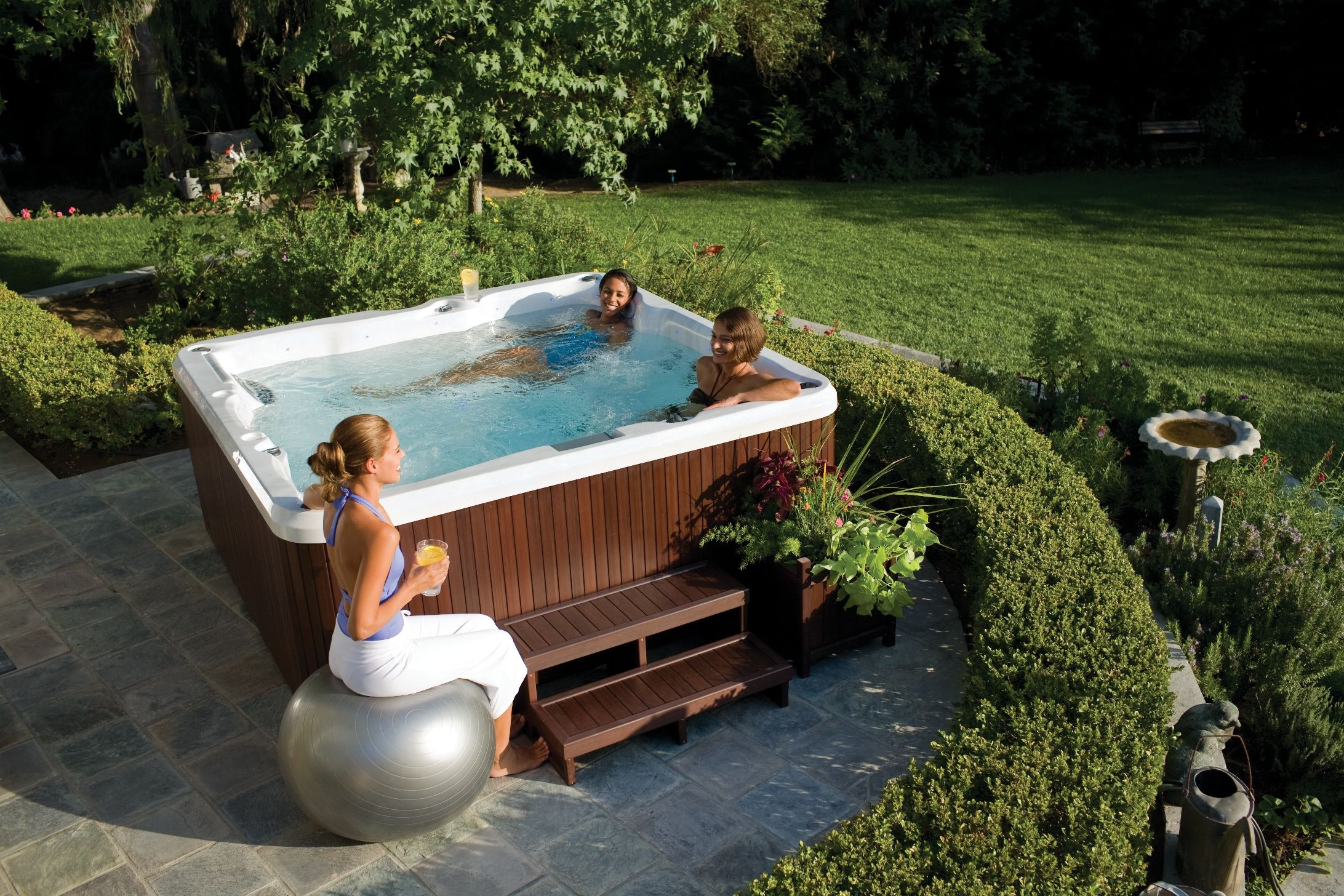 jacuzzi spa exterieur simple jacuzzi interieur. Black Bedroom Furniture Sets. Home Design Ideas