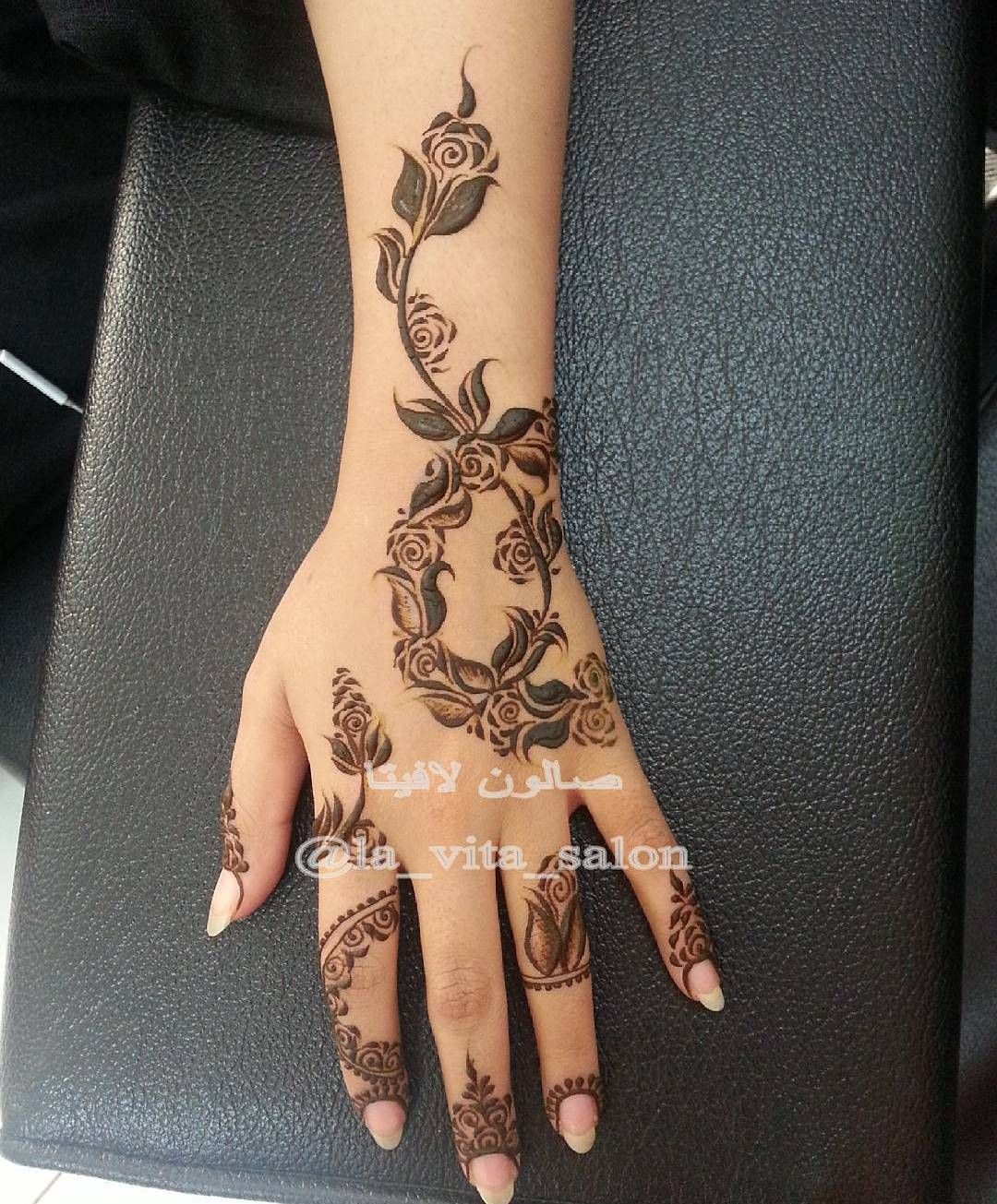 1 081 Likes 6 Comments Beauty Mazarin Design On Instagram La Vita Salon Ward454 Ward Henna Designs Hand Latest Mehndi Designs Arabic Henna Designs