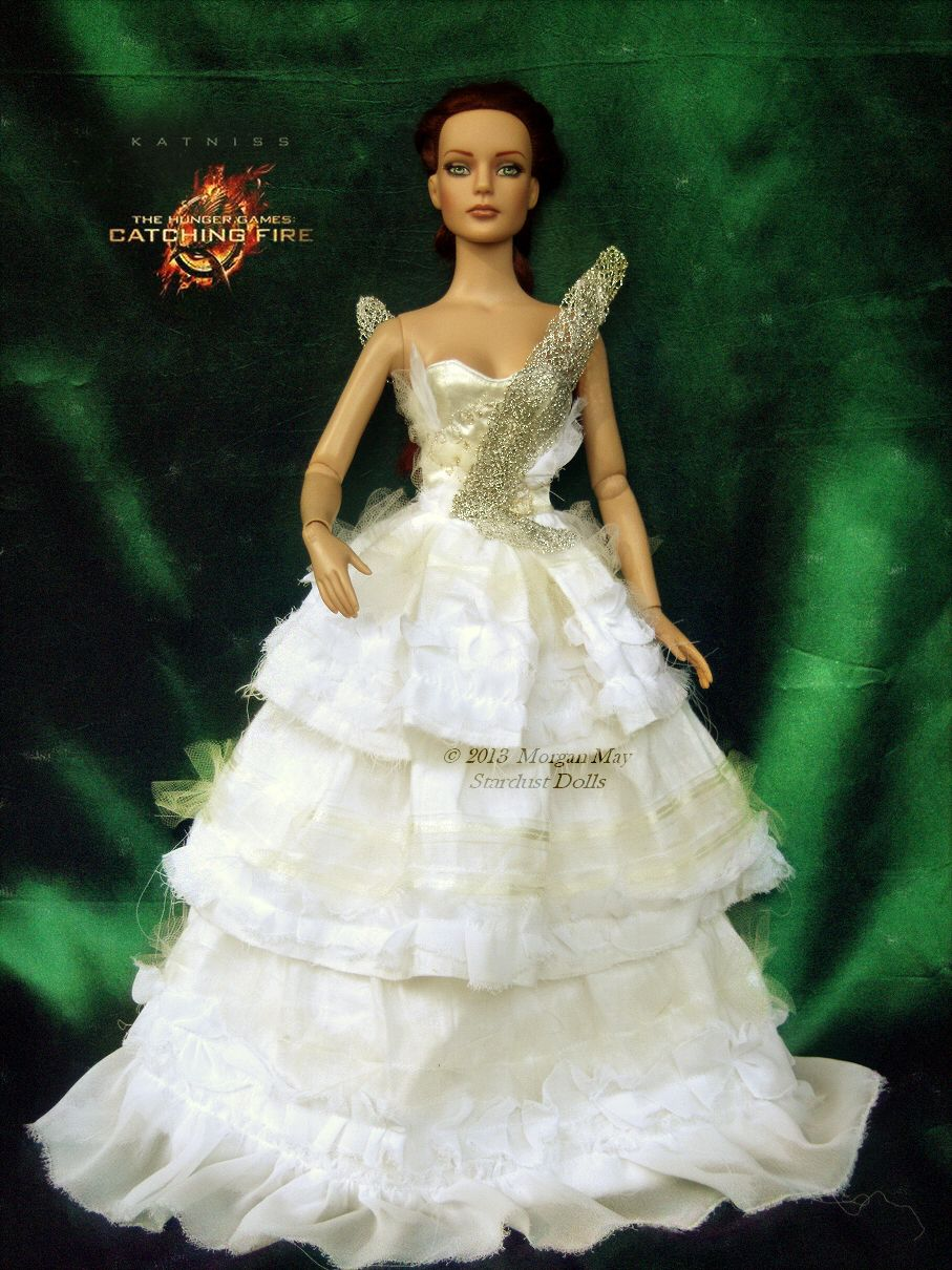 Wedding Katniss Wedding Dress katniss everdeen in mockingjay dress repaintedhair restyled capitol portrait for tonner dolls from hunger games catching fire