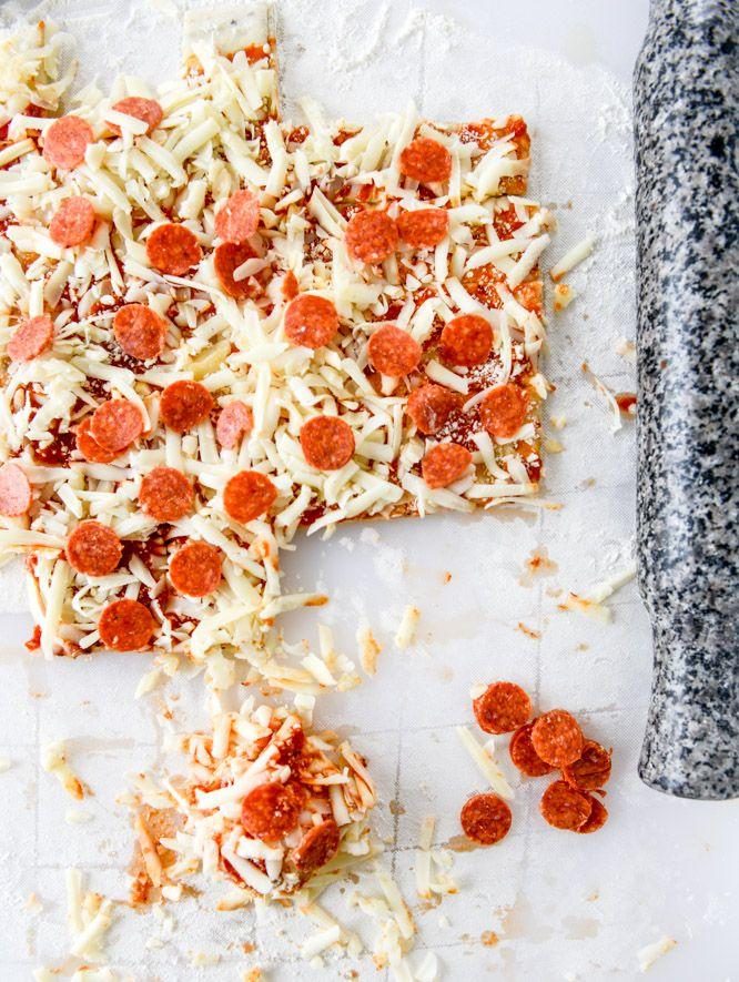 pepperoni pizza pull apart breads I howsweeteats.com