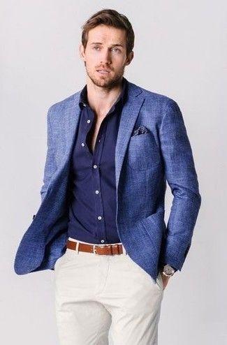 799f7e1660cf0 Tenue: Blazer en laine écossais bleu, Chemise à manches longues bleu  marine, Pantalon chino blanc, Pochette de costume á pois bleu marine
