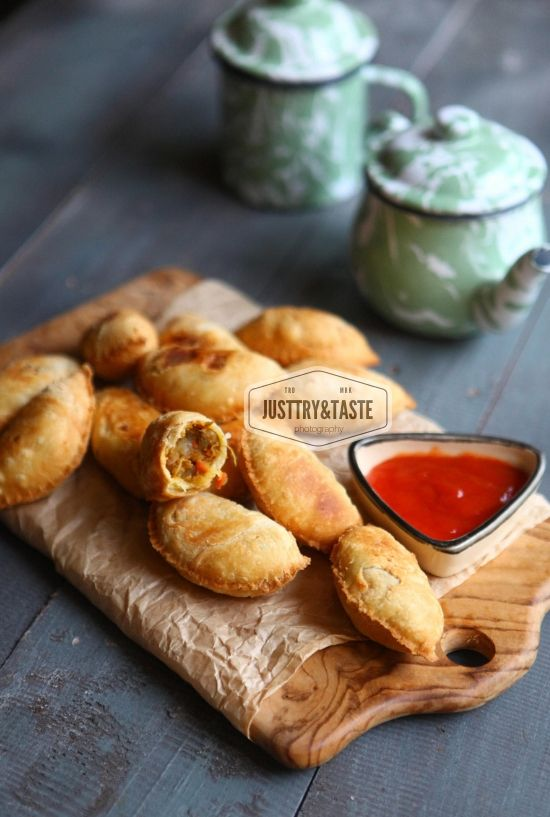 Karipap Pastel Isi Kari Fried Handpies With Chicken And Potatoes Curry Resep Makanan Pembuka Makanan Dan Minuman Resep Masakan Malaysia